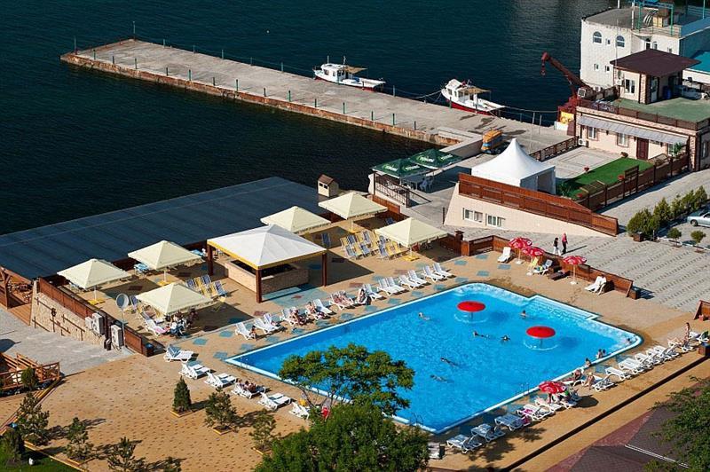 Пляж Золотая бухта Анапа