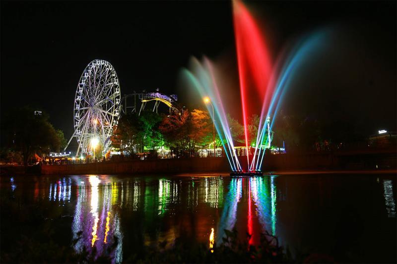Плавающий фонтан Анапы