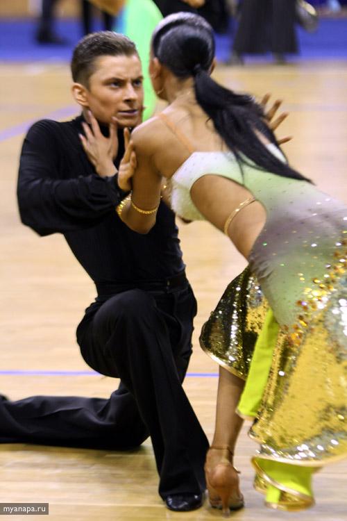 Анапа танцует